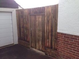 Closeboard with integrated gate